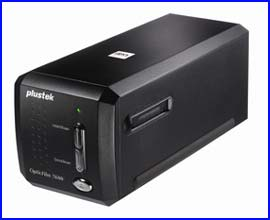 Plustek 8200i Film and Slide Scanner for Windows/Mac OS X
